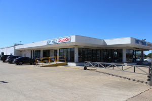 Built-Up-Roof-Systems-commercial-collision-repair-shop